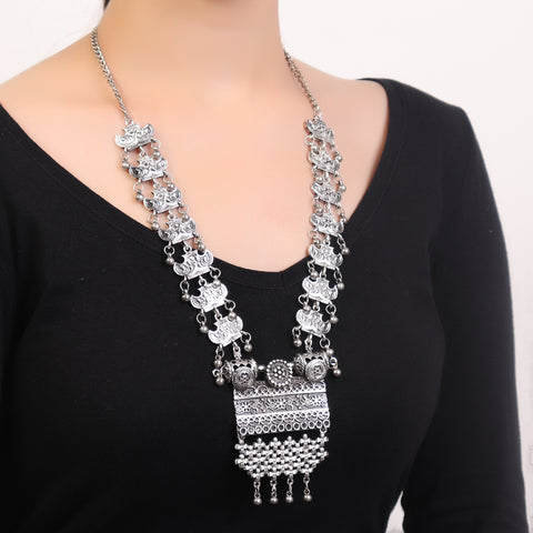 Necklace,Alluring Vintage Look Necklace in Silver - Cippele Multi Store
