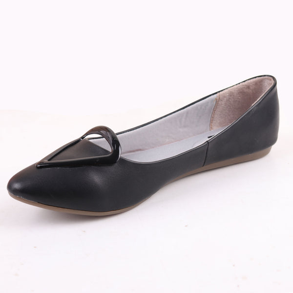 Foot Wear,Love that Triangle Basic Flats in Black - Cippele Multi Store