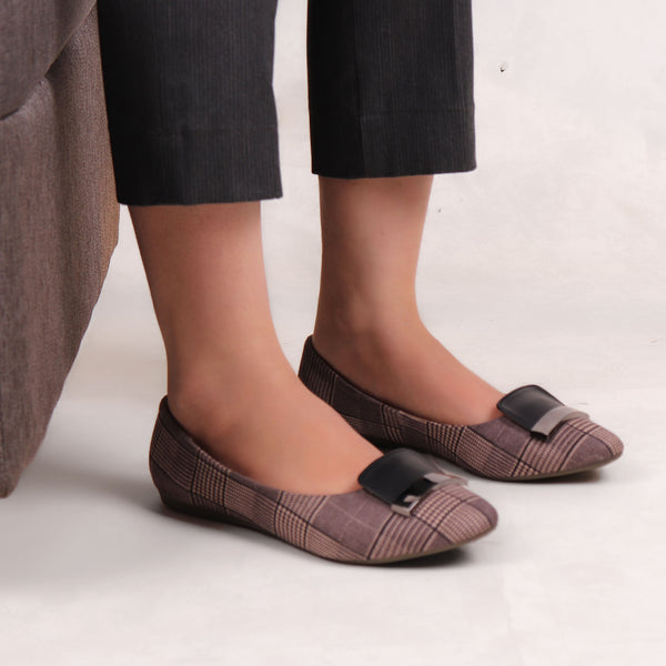 Foot Wear,Metal Strap Check Me Flats in Black - Cippele Multi Store
