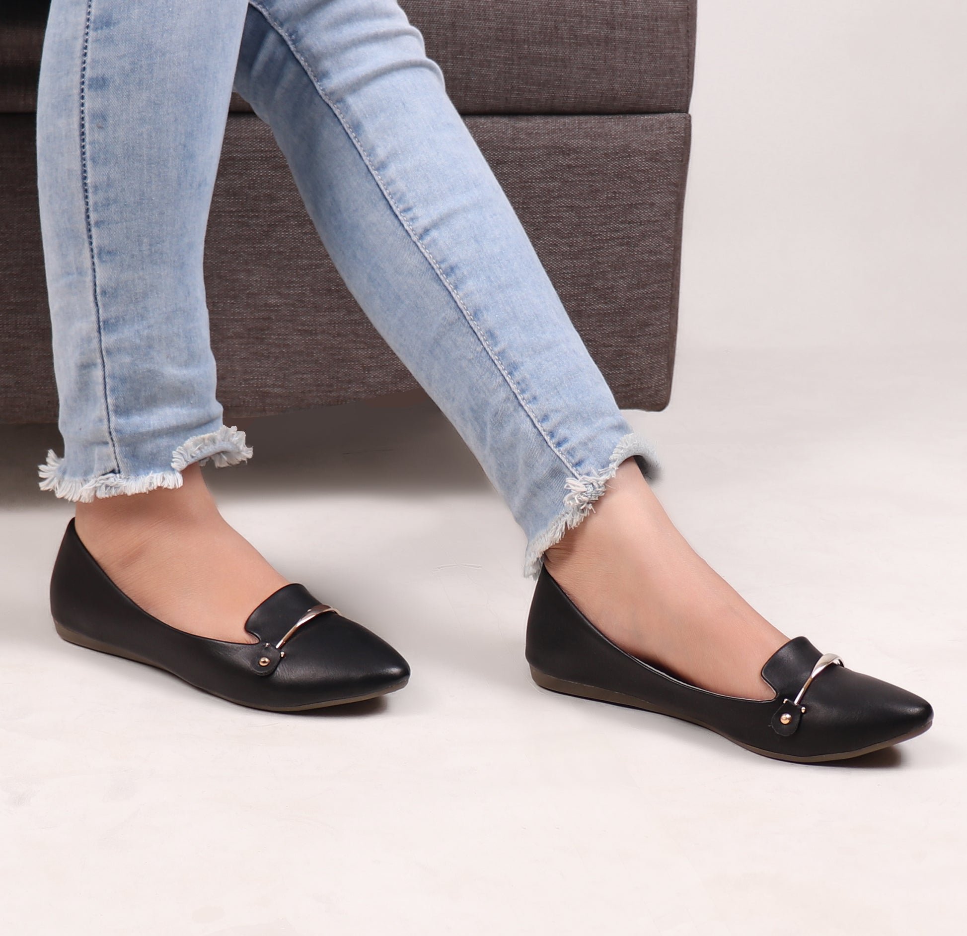 Foot Wear,Riveted Golden Plate Flats in Black - Cippele Multi Store