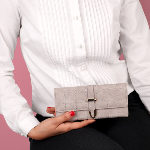 The Boxy Clamped Wallet in Light Grey