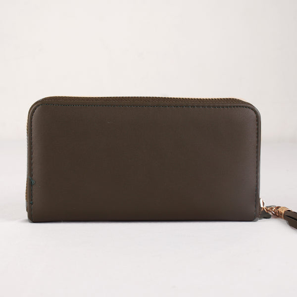 The Boxy inverted Clamped wallet with Tassels in Green