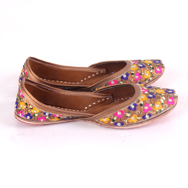 Foot Wear,Floral Magic Phulkari Punjabi  Jutti - Cippele Multi Store