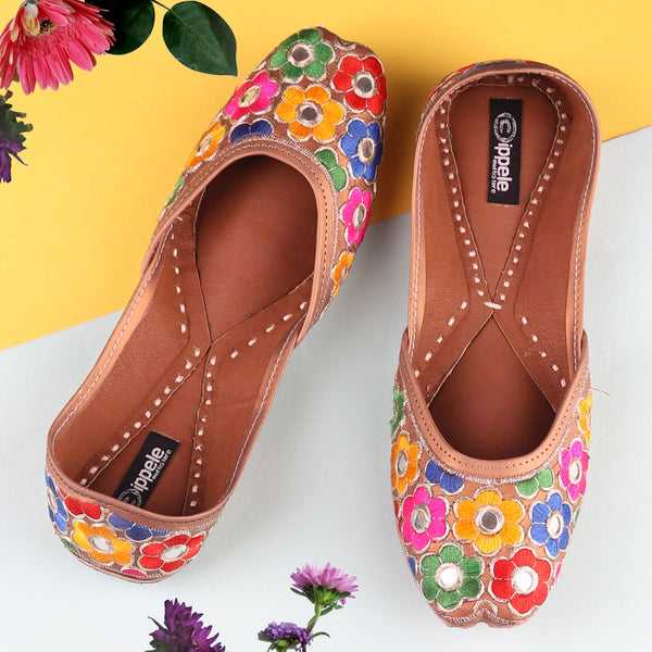 Foot Wear,The Bageecha Jutti - Cippele Multi Store