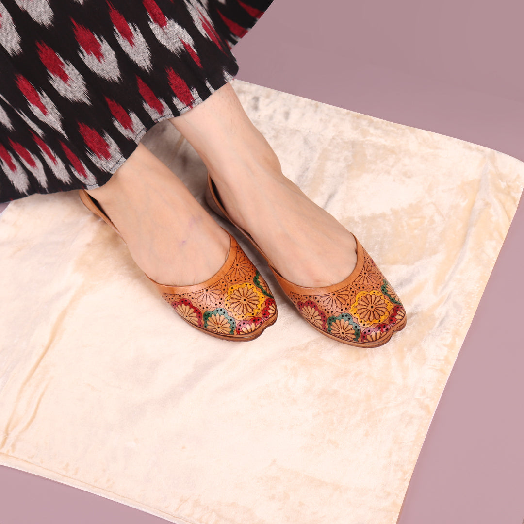 Foot Wear,The Hand Painted Guldasta Jutti - Cippele Multi Store