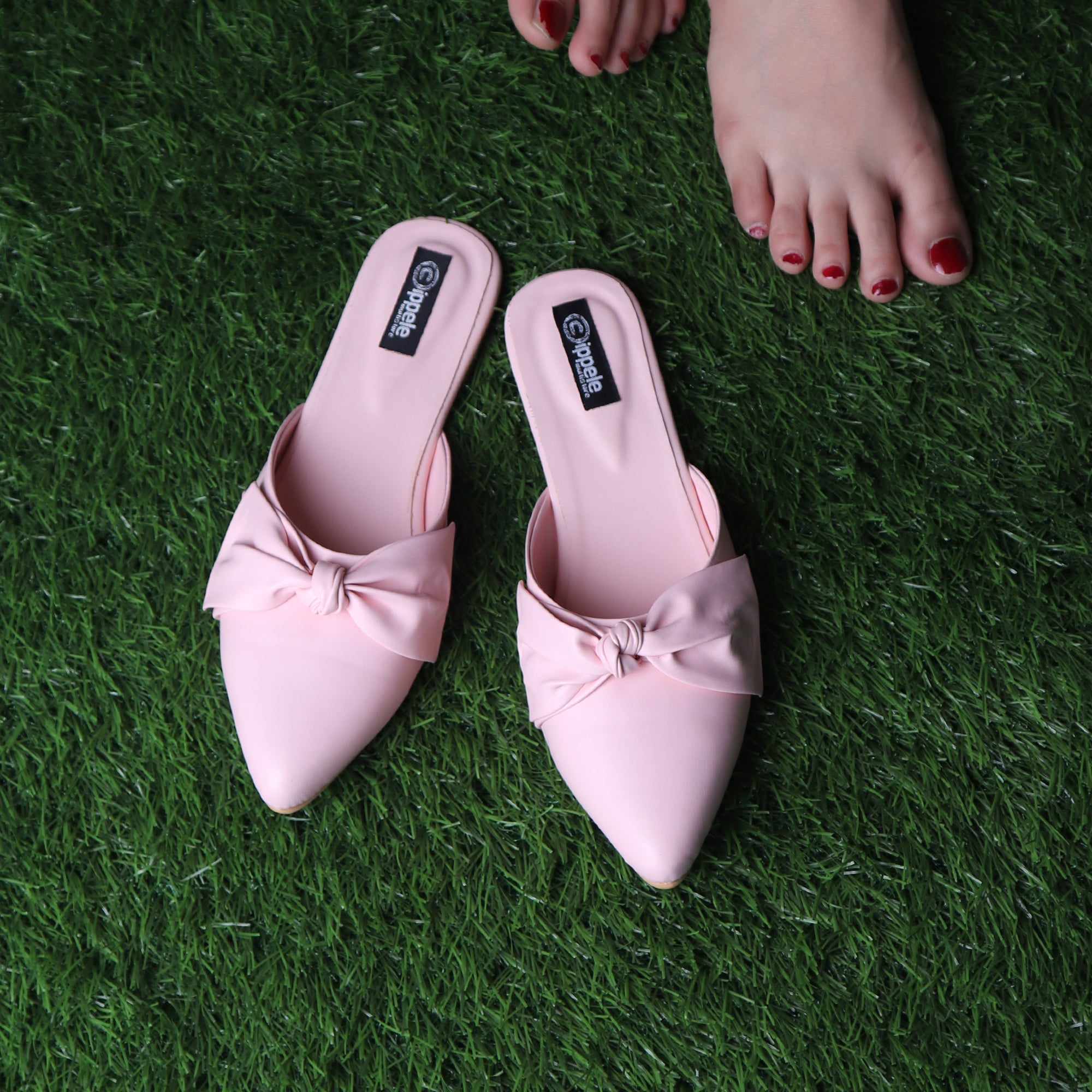 The Charismatic Bow Mules in Pink