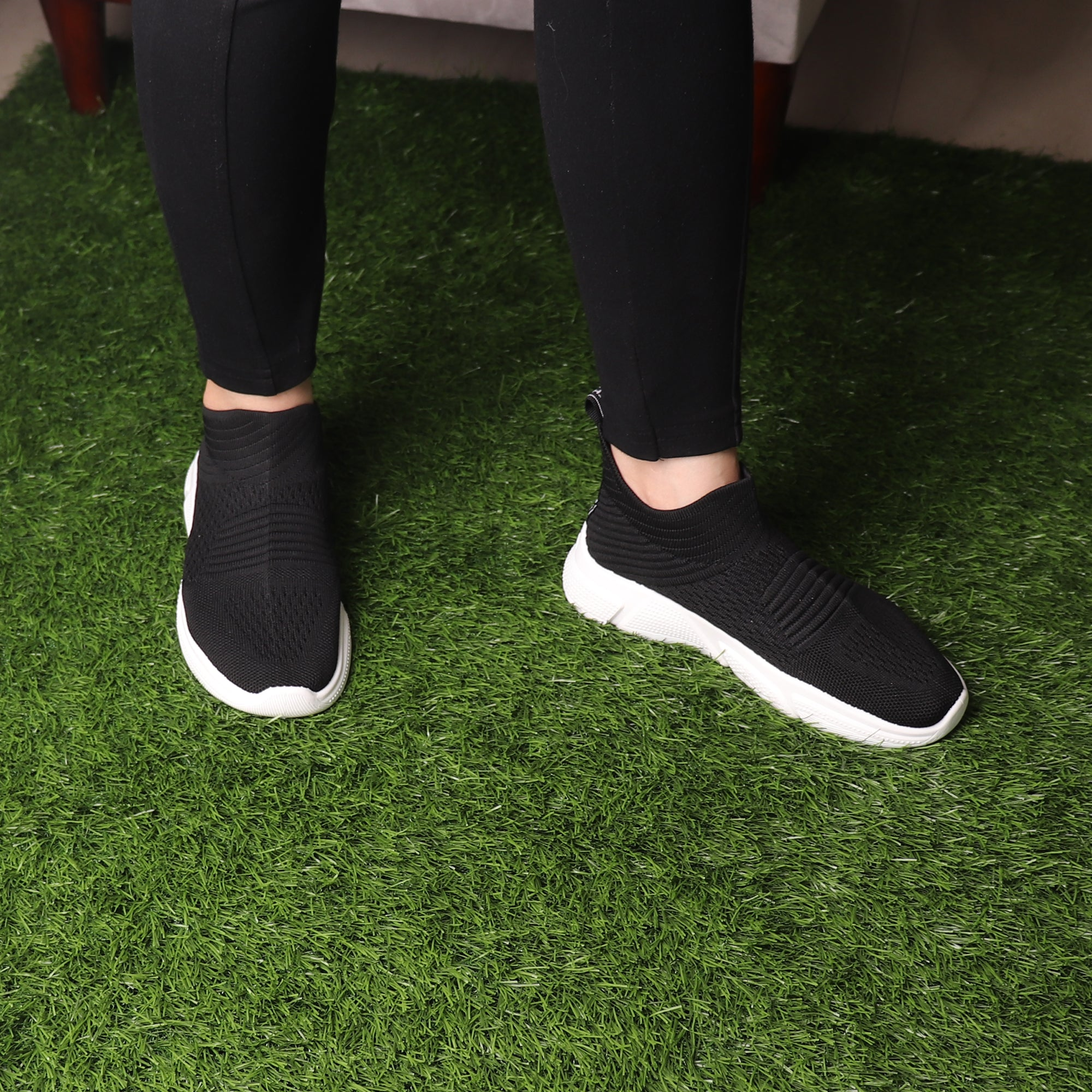 Foot Wear,The Cozy Gliders in Black - Cippele Multi Store