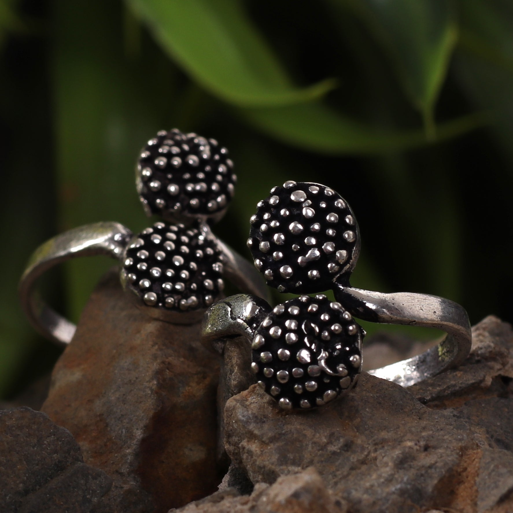 Dotted Oxidized Silver Toe Rings