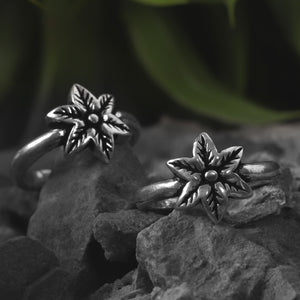 Autumn Leaf Oxidized Silver Toe Rings (Set of 2)
