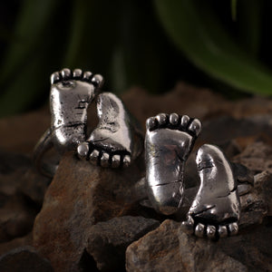 Footsteps Oxidized Silver Toe Rings (Set of 2)