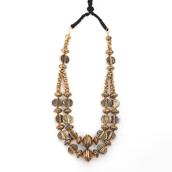 The statement Necklace in Golden