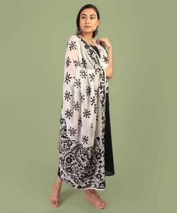 The Flower Bud Black & White Phulkari Dupatta