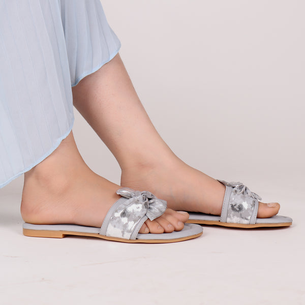 Twist That Knot Flats in Grey