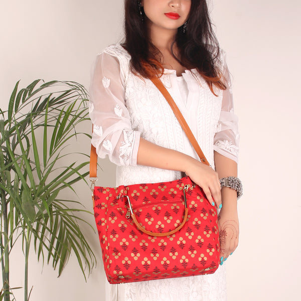 The Red Fern Fabric Tote Bag