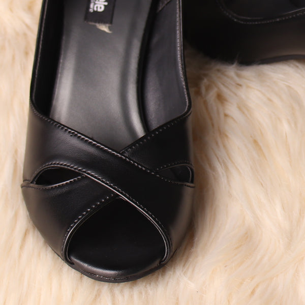 Foot Wear,The Criss Cross Eye Black Heel - Cippele Multi Store