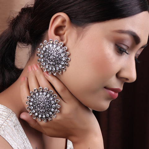 The Glorified Earring and The Ring set in White & Cream