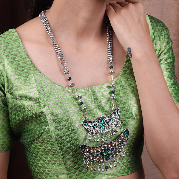 The layered Moon Afghani Necklace set in Green & Cream