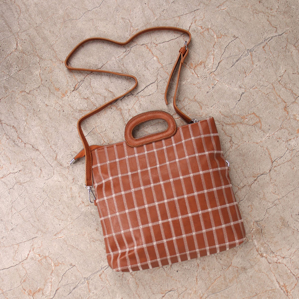 The seamless Classical checkered Mix Bag in Tan