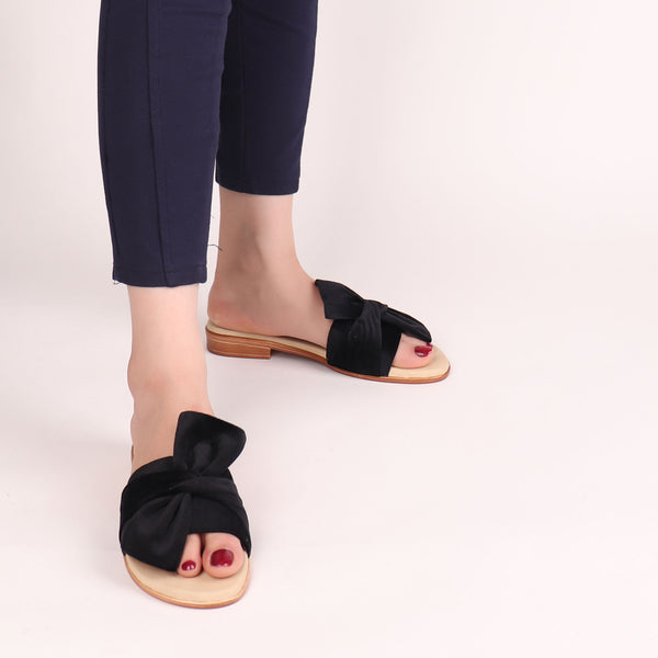 Foot Wear,The knotted Flats in Black - Cippele Multi Store