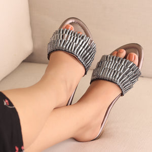 The Tropical Flats in Grey