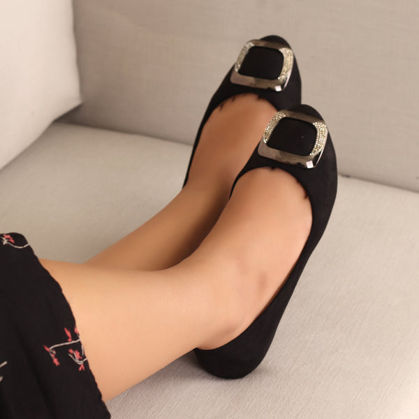 Everyday Fun Flats in Black