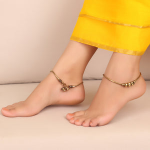 Stylish me Anklets in Golden (Set of 2)