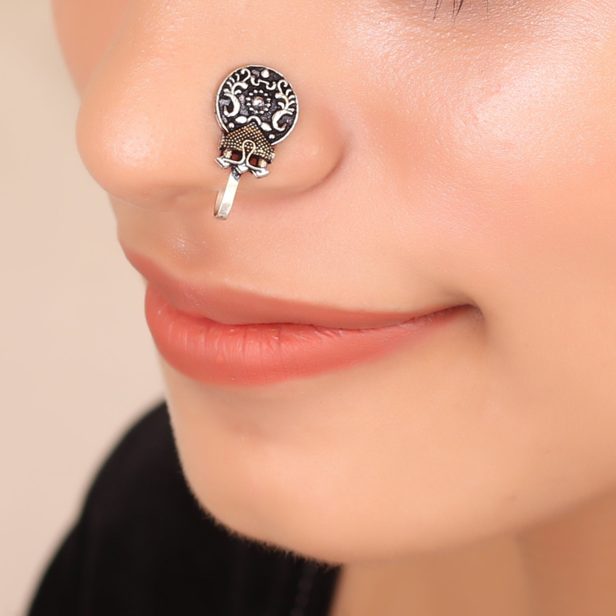 The Medallion Nose Pin in Dual Tone