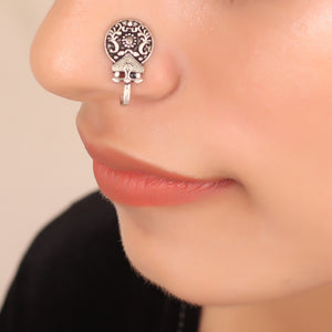 The Medallion Nose Pin