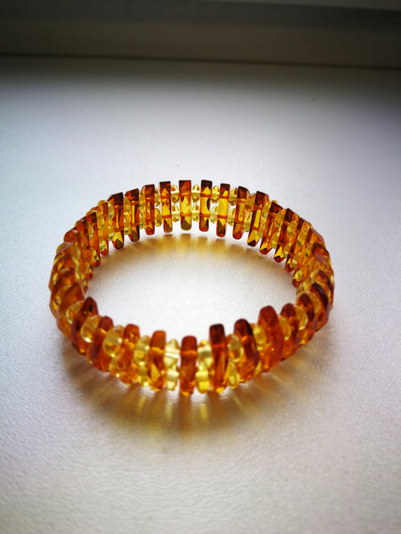 Amber bracelet,faceted amber,light cognak bracelet, honey and cognac  amber,stretch bracelet,amber gift