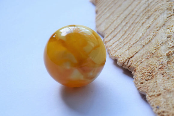 Baltic amber ball,,large amber stone,round amber,pure amber,white royal amber, 琥珀,琥珀色 - UAB Amber