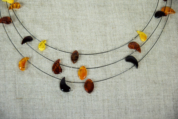 Wire amber necklace, Baltic amber, drop amber beads, simple necklace, cherry amber, cognac amber, ambre baltique, short necklace, amber gift