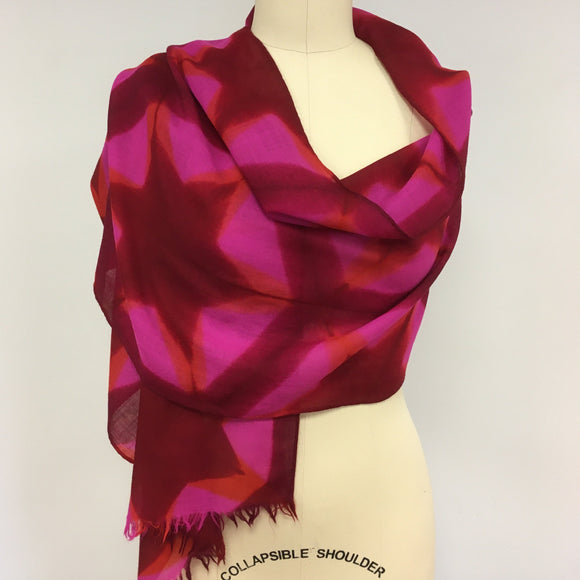 Merino wool scarf  Pink and Red star