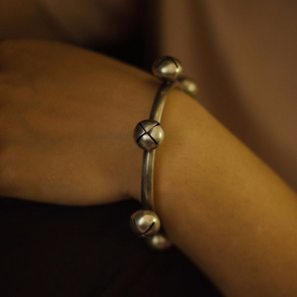 Silver Chunky Bangle with Ghungroo - Quirksmith