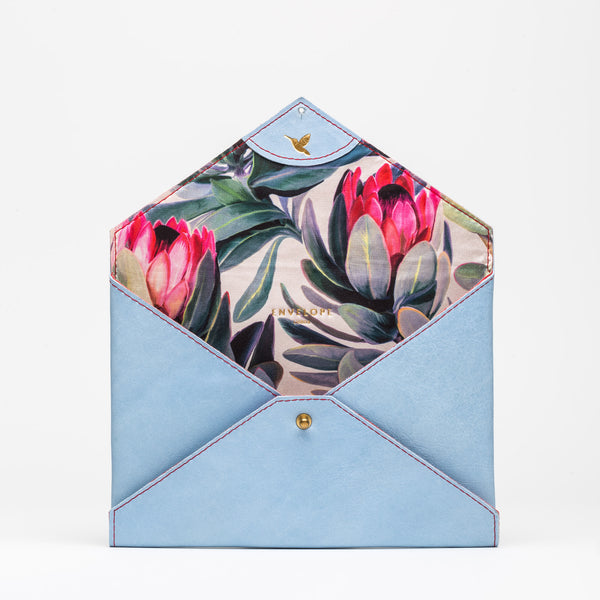 CLUTCH Blue Jeans Protea