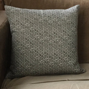 LINEN CUSHIONs : PEAT LARGE LEAF