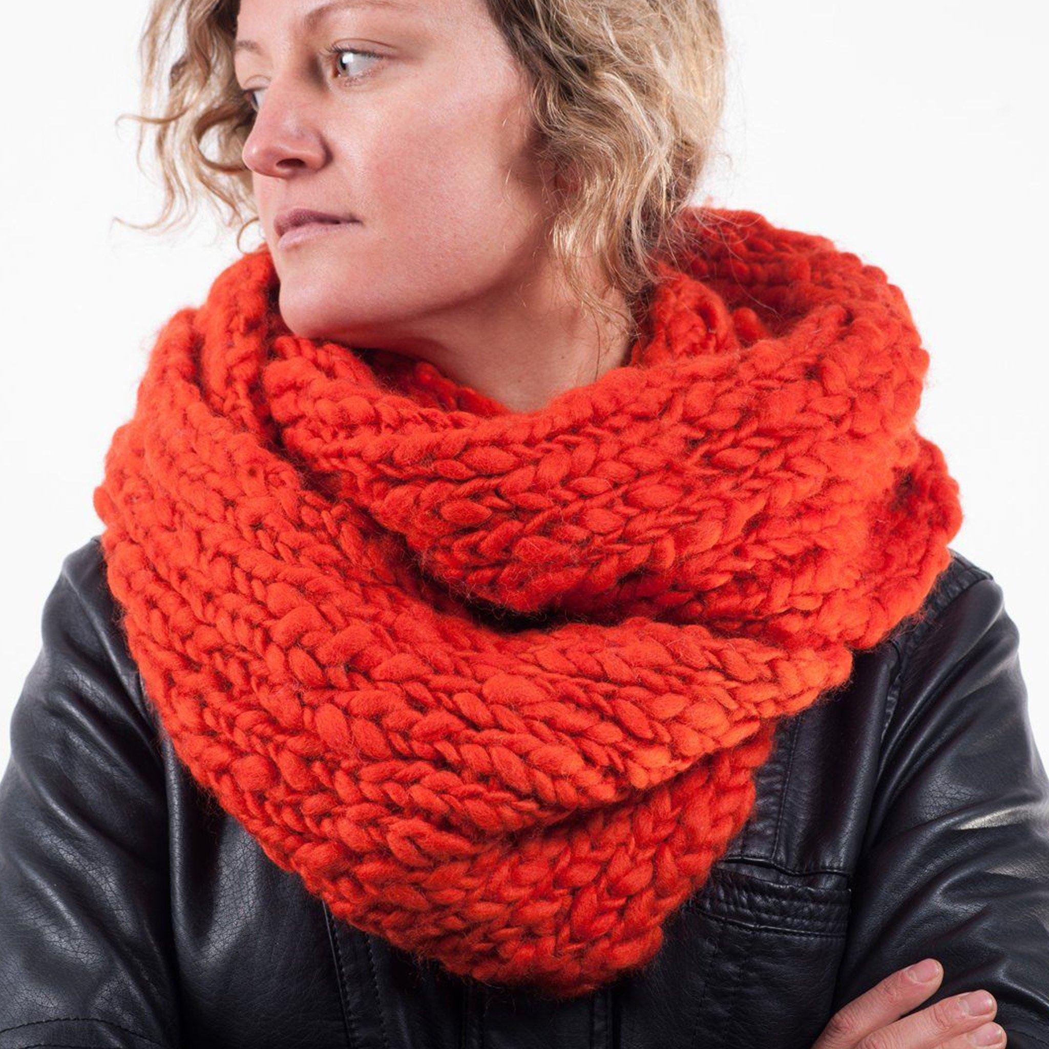Tangerine knit scarf Everest Fashion
