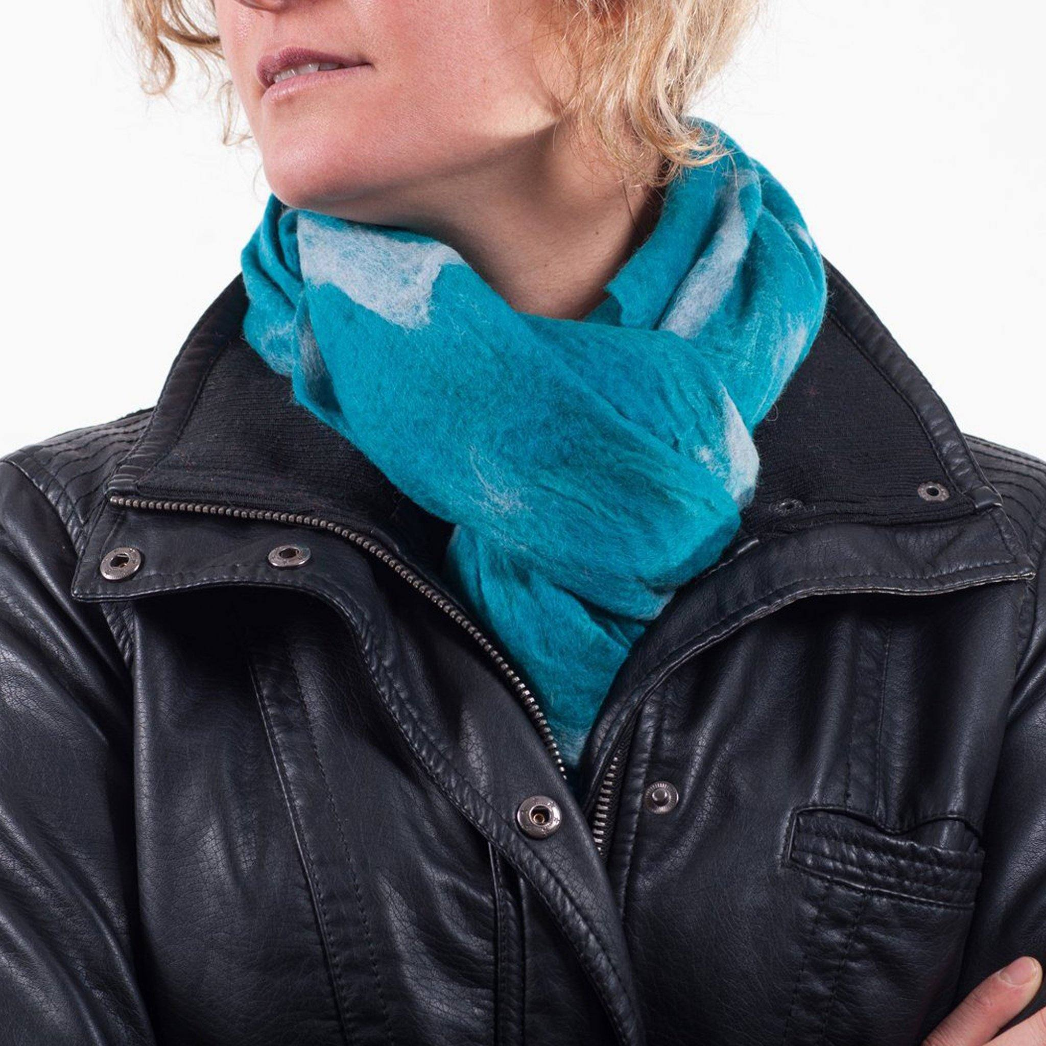 Turquoise felt scarf Everest Fashion
