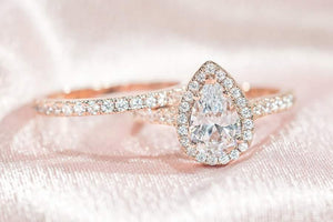 Wedding Band vs. Engagement Ring: What's the Difference?