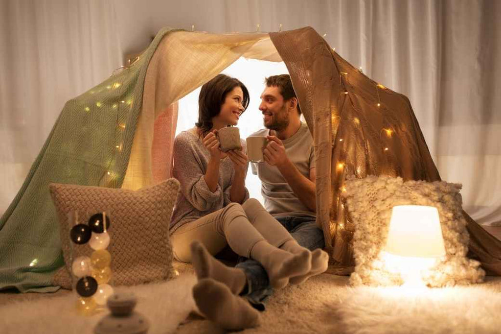 Blanket Fort Tent Fall Winter Cozy Date Night Ideas At Home COVID-19 Coronavirus Pandemic Social Distancing Activities Couples Romantic Ideas