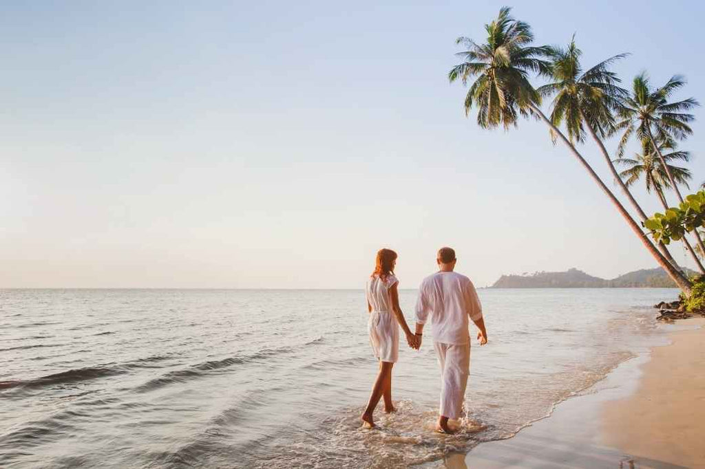 honeymoon wedding planning advice save splurge finances money