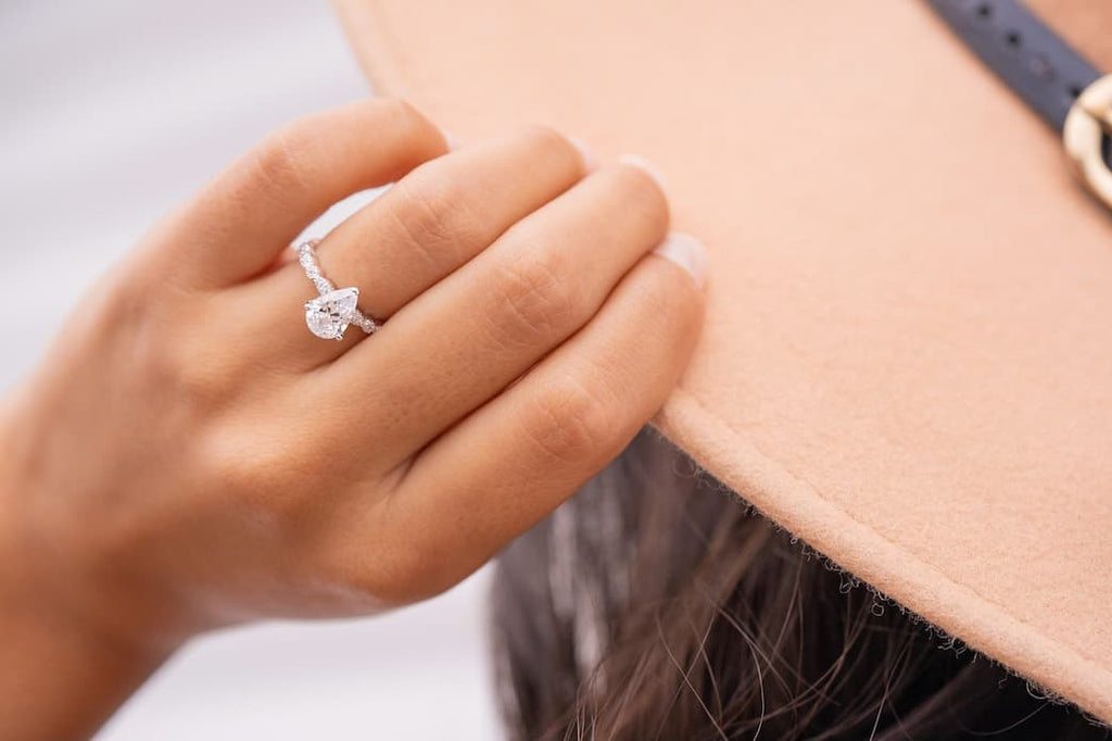 pear cut vintage teardrop shape engagement ring simulated diamond stone inexpensive affordable conflict free 1.5 carats
