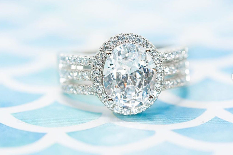 the queen halo ring