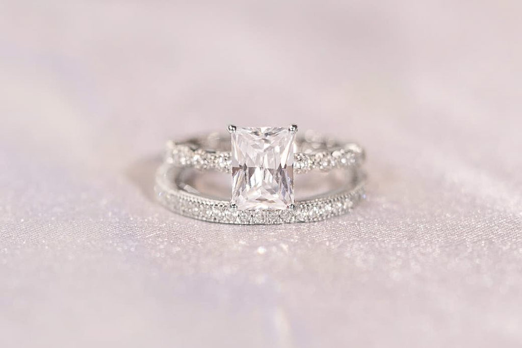 vintage emerald cut engagement ring classic eternity wedding band set inexpensive affordable conflict free simulated diamond stone