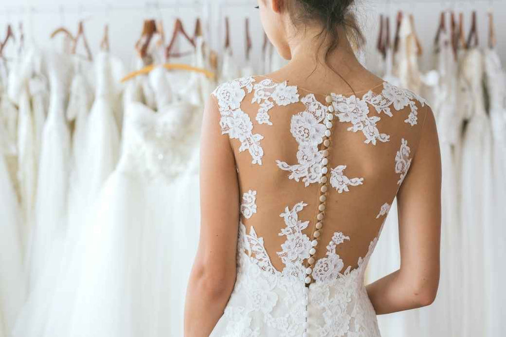 wedding dress save splurge financial advice tips