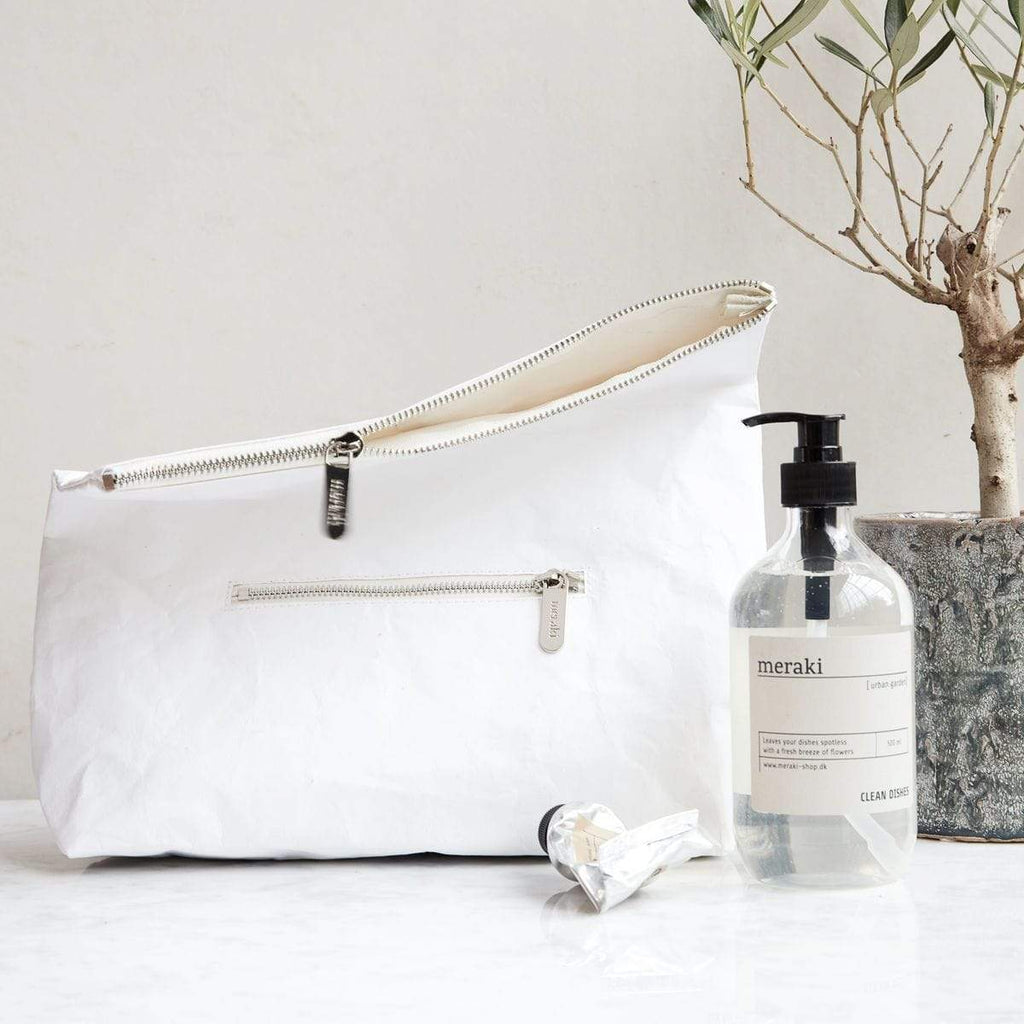 Hixton White Toiletry Bag