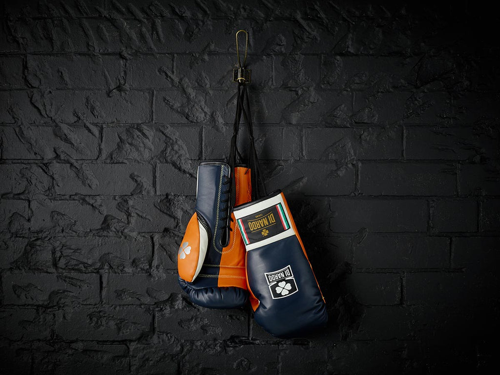 Victoria - Pro Fight Gloves