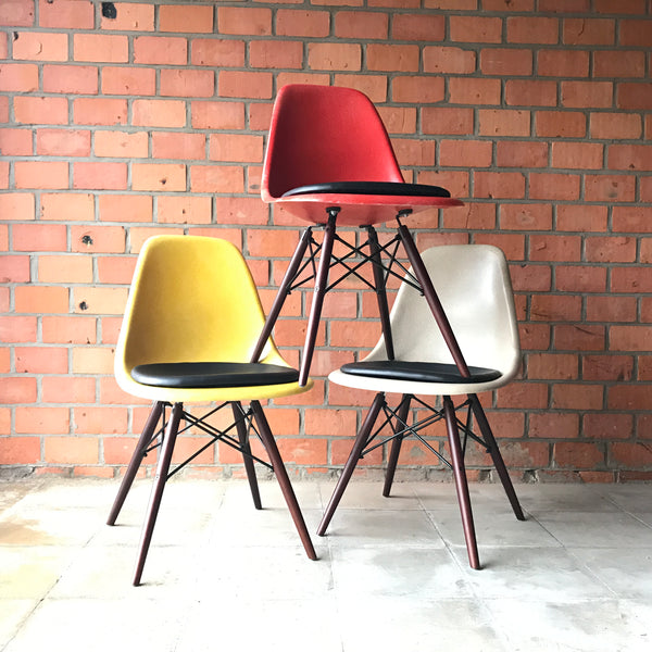 Eames side chair DSW by Herman Miller - Lemon Yellow