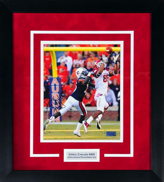 Greg Childs Autographed Arkansas Razorbacks 8x10 Framed Photograph