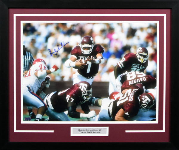 Bucky Richardson Autographed Texas A&M Aggies 16x20 Framed Photograph (Diving)