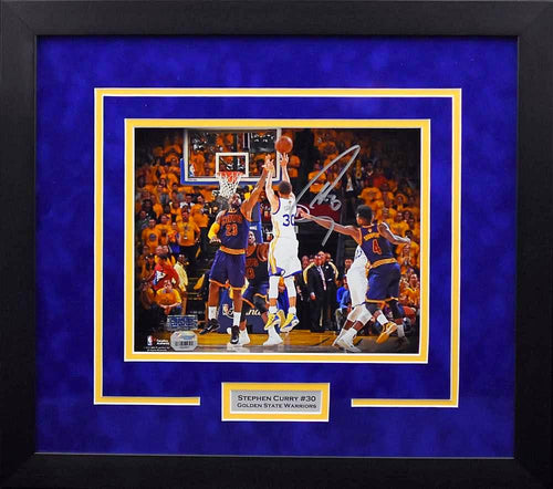 Stephen Curry Autographed Golden State Warriors 8x10 Framed Photograph